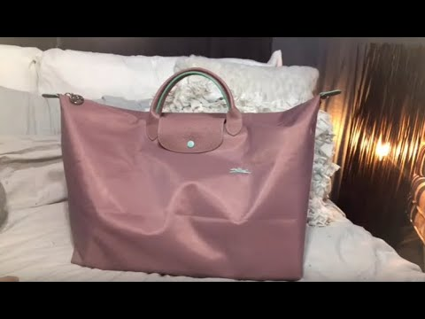 What's In My Longchamp Travel Bag?   Le Pliage Club   LARGE