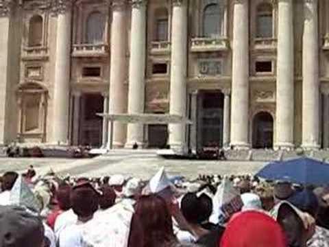 Missa Vaticano celebrada por Papa Bento...