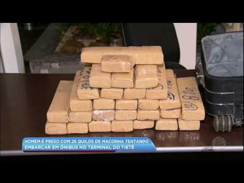 Homem é preso com 26 kg de maconha na mala