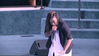 Leandria Johnson Performing