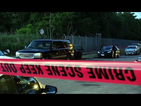 Bloody Chicago 2 Dead 11 Wounded in Shootings on Saturday 6 24 17