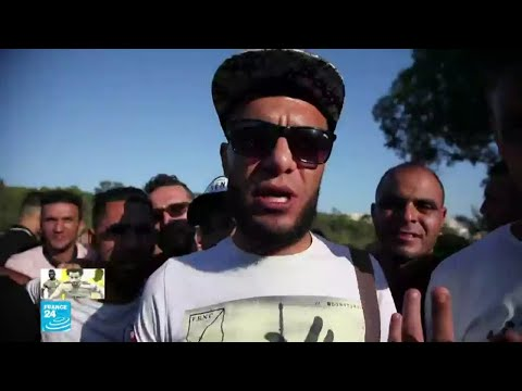 مشجع جزائري: مستعدون للسفر مشيا إلى مصر لمؤازرة المنتخب في نهائي كأس الأمم الإفريقية