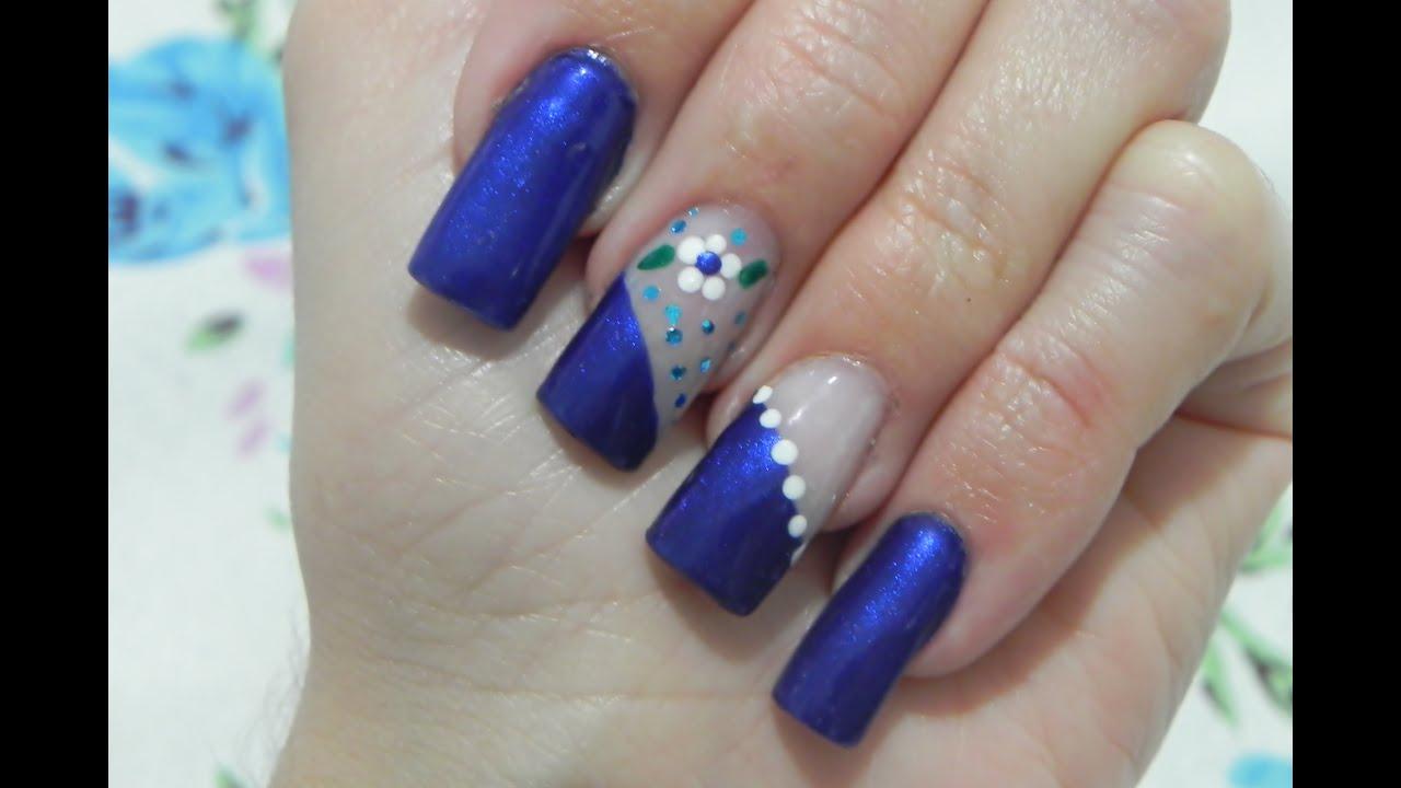unhas decoradas Simples azul