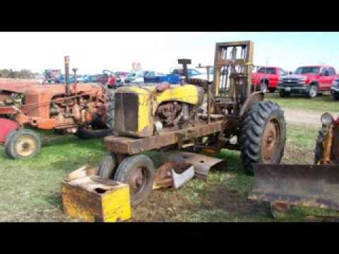 Aumann November 2013 Antique Tractor Auction - Parts Tractors