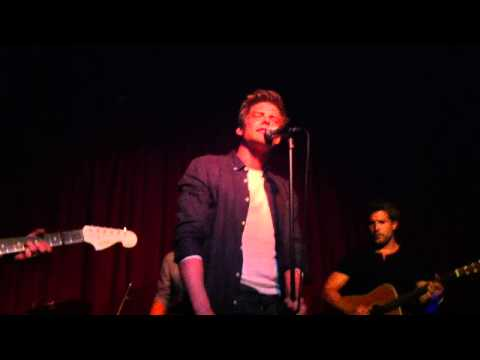 Hunter Parrish - Easy (Hotel Cafe)