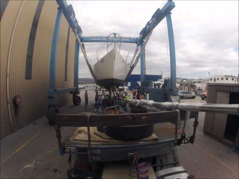CleanLift Marine travel lift crane
