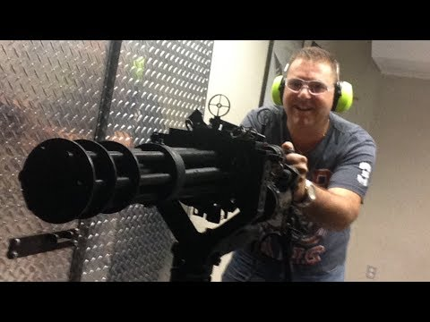 Shooting the Uzi, M16, AK47, M60, Shotgun, Grenade Launcher, MG42 & Minigun at Battlefield Vegas