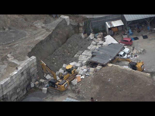 資材置き場で土砂崩れ、1人死亡3人けが 大阪・茨木