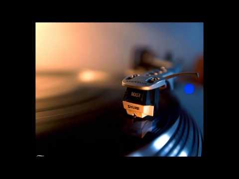 Rustie - After Light Feat. AlunaGeorge