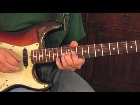 Guitar Lesson: Eric Clapton Style Lick - Signature Licks Fender Stratocaster
