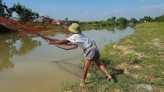 Quăng chai bắt cá sông không ngờ bắt được toàn cá bự