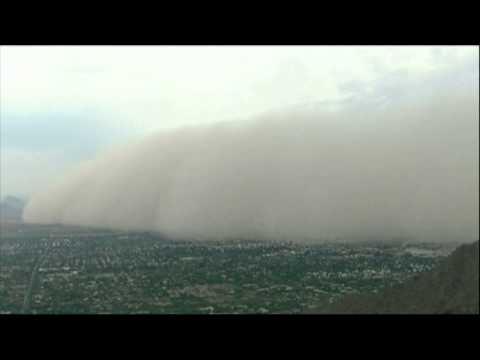 Etats-Unis : une gigantesque tempête de sable recouvre la ville de Phoenix