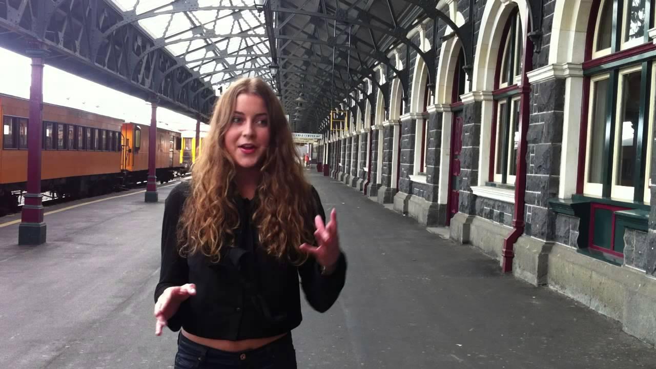 Watch Lynn Kohlman video