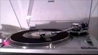 Conway Twitty (The Games That Daddies Play) 45rpm 1982 YouTube Videos