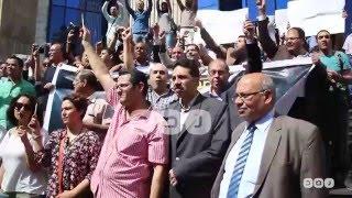 """رصد   """"ياأبو دبورة ونسر وكاب احنا صحافة مش إرهاب"""".. هتافات الصحفيين خلال وقفتهم أمام النقابة"""
