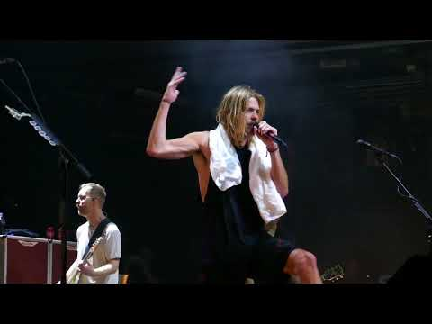 Foo Fighters - Seth Hurwitz on Drums and Taylor Hawkins on lead vocals