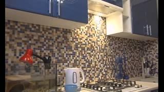 видео Голубая кухня — плюсы и минусы кухни голубого цвета.