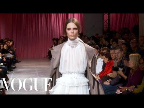Fashion Show - Nina Ricci: Spring 2011 Ready-to-Wear