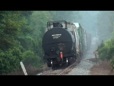 Thumbnail: CSX Train Goes Into Emergency Then The Chase Is On
