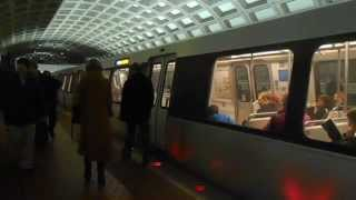 DC Metro (WMATA): Franconia bound Blue line train at Farragut West