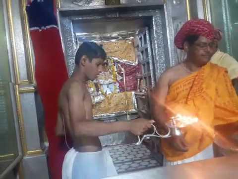Jigar Roshahlal pandya doing arti in Temple of SRI RUPNAYANJI